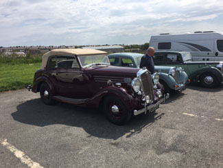 Lovely Old Cars in Thurso